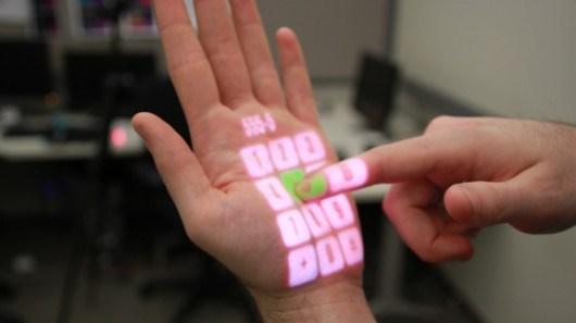 Na dlanu ekran osetljiv na dodir