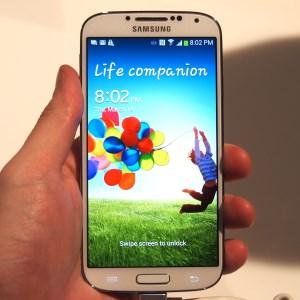 Samsung galaxy S4 iz ugla servisera